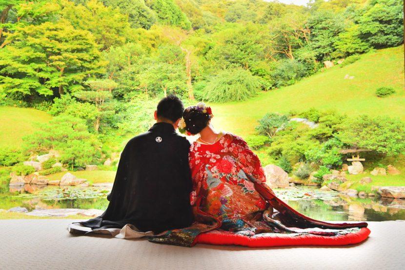鳥取でフォトウェディングを利用したお客様の写真アルバムまたは写真集のデザインです。フォトウェディングを利用しているのでお得にご提供できます。鳥取ならでは